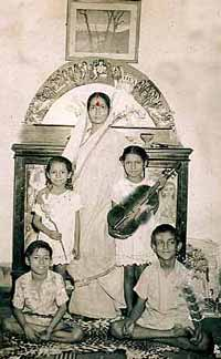 Jayathi with children